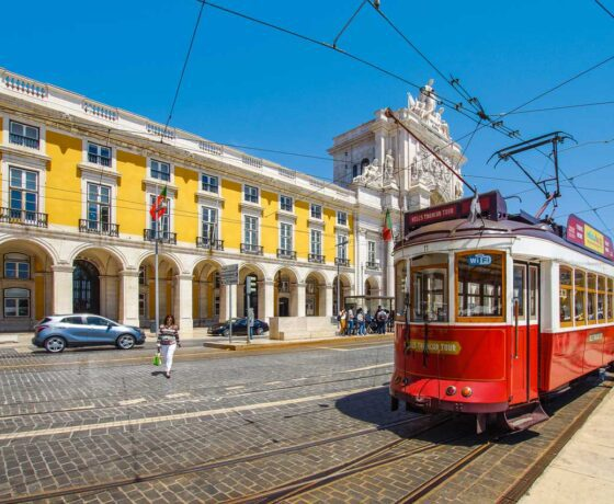 Lisbona tram tipico mini tour portogallo